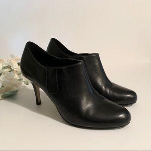 COLE HAAN   leather heel booties sz 11 EUC